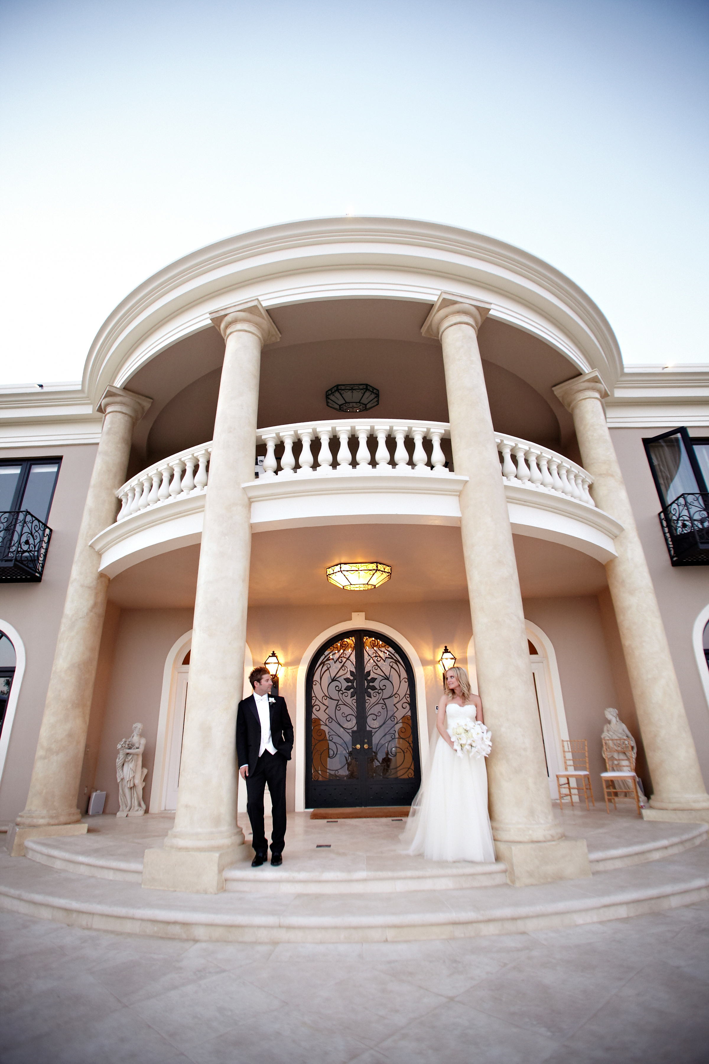 grand-elegant-montecito-estate-wedding-location